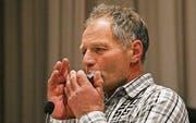 Mundharmonika statt Dudelsack: Alfred Ritter verabschiedete sich von den Rhodsbürgern mit der bekannten Abschiedsmelodie. (Bild: Max Pflueger)