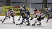 Der EHC Uzwil (blau) war gegen den EHC Chur absolut chancenlos. (Bild: David Metzger)