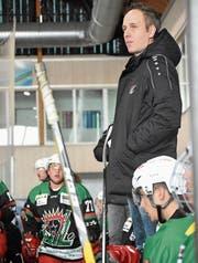 Daniel Zeber verfolgte am EZO-Cup in Romanshorn das Spiel von der Bande aus. (Bild: David Metzger)