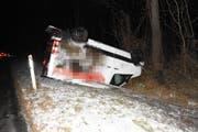 Beim Unfall entstand ein erheblicher Sachschaden. (Bild: Kapo SG)