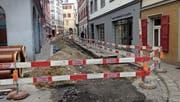 Die Leitungen in der Brühl- und der Kugelgasse wurden bereits saniert. Jetzt sollen die Fahrbahnen neu gestaltet werden. (Bild: Reto Voneschen (Eingang zur Kugelgasse, 20. April 2017))