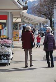 Über den Mittag läuft in den Wattwiler Geschäften meist mehr als am Abendverkauf. (Bild: Martina Signer)