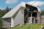 Bei der Talstation der Säntis-Schwebebahn wurden Vorder- und Rückseite sowie das Dach mit einer Metallfassade eingekleidet. (Bilder: PD)