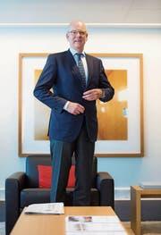 Martin Blessing führt die Schweizer Einheit der UBS. Im laufenden Jahr will die Grossbank signifikant ins Tagesgeschäft investieren. (Bild: Dominik Wunderli/LZ (Luzern, 10. März 2017))