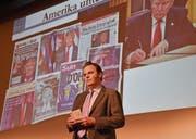 Wirtschaftsjournalist Jens Korte referierte zur US-Wirtschaft. Unweigerlich ein grosses Thema: Donald Trump. (Bild: Ruben Schönenberger)