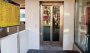 Die Glastüren wirken sich positiv auf das Sicherheitsempfinden der Liftbenützer aus. (Bild: rkf)