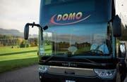 Ein Bus vom Unternehmen Domo Reisen. (Bild: Gian Ehrenzeller/Keystone (Neuhausen, 30. Oktober 2017))