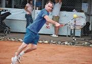 Simon Schwerzmann spielt eine Rückhand, wie sie in den kommenden zwei Wochen auch an den US Open zu sehen sein wird. (Bilder: pd)