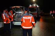 Bei der Grosskontrolle wurde die Kantonspolizei St.Gallen von Fachspezialisten des Strassenverkehrsamtes, des Grenzwachtkorps, des Instituts für Rechtsmedizin sowie der Staatsanwaltschaft des Kantons St.Gallen unterstützt. (Bild: Kapo SG)