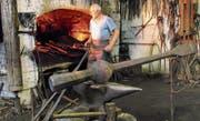 Die Herstellung eines Glockenklöppels erfordert höchste Präzision. (Bild: pd)