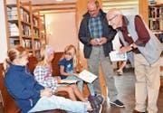 Die neuen Bibliotheksräume finden Anklang bei Gross und Klein. (Bild: Isabelle Kürsteiner)