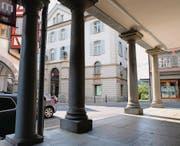 Das Bankgebäude an der Hauptgasse in Lichtensteig hat Baujahr 1872 und wurde 1988 aufwendig renoviert. (Bilder: Serge Hediger)