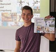 Jan hat für die Bevölkerung von Oberuzwil einen Führer für lustvolle und günstige sportliche Aktivitäten ausgearbeitet. (Bild: Annelies Seelhofer-Brunner)