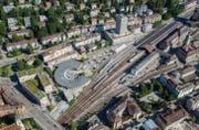 Bei der Entwicklung des Areals Hauptbahnhof Nord geht es um die Häuserzeile zwischen der Lokremise und der Fachhochschule. Aber nicht nur. (Bild: Reto Martin/Archiv)