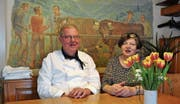 Kurt und Frieda Scheiwiller führten während 38 Jahren den Landgasthof Ochsen, Sidwald, in Neu St. Johann. (Bild: Sabine Schmid)