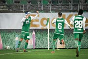 Die St.Galler bejubeln den Siegtreffer von Nassim Ben Khalifa zum 2:1. (Bild: Ralph Ribi)