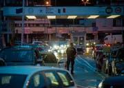 Das Gesetz richtet sich gegen Grenzgänger aus Italien, die zu Tiefst-löhnen im Tessin arbeiten. (Bild: Gabriele Putz/KEY (Chiasso, 4. Februar 2014))