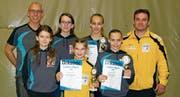 Jürg Lippuner, Yara Vetsch, Annatina Lippuner, Friedrich Eggenberger (hinten von links), Lia Vetsch, Madlaina Eggenberger und Ursina Lippuner (vorne von links). (Bild: PD)