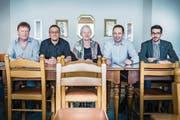 Urs Giezendanner, FDP, Peter Dransfeld, SP, Fanny Herzog, FDP, Thomas Ribi, SVP, und Benjamin Kasper, SVP, bestimmen mit, wer einst auf dem Stuhl des Gemeindepräsidenten Platz nehmen darf. (Bild: Andrea Stalder)