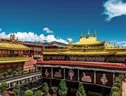 Der 1300 Jahre alte Jokhang-Tempel in Lhasa vor dem Brand. (Bild: Jason Yu/Getty ()