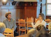 «Ich wollte keine Bombe platzen lassen!» Jan Kaeser im Gespräch mit Corinne Schatz. (Bild: Michael Hug)