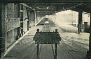 Blick auf die 170 Meter lange Seilerbahn mit fahrbarer Litzenmaschine in der Seilerei Wisiak. (Bild: H. Labhart (Rorschacher Monatschronik 1955))