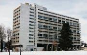 Das Saurer-Hochhaus auf der Brühlwiese setzte vor fünfzig Jahren neue Massstäbe im Wohnungsbau – «Wohnmaschine» à la Le Corbusier. (Bild: Max Eichenberger)