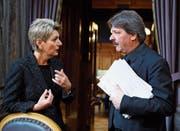 Harmonisches Duo: Karin Keller-Sutter und Paul Rechsteiner. (Bild: Anthony Anex/Keystone (Bern, 7. März 2018))