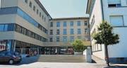 Das Gymnasium St.Antonius in Appenzell hat kurz vor den Ferien keine Schulleitung mehr. Mit Hochdruck wird nach einer Übergangslösung gesucht. (Bild: Roger Fuchs)