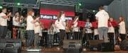 Bildeten am Samstagabend den regionalen Beitrag am Frühlingsfest in Grabs: Die jungen Musizierenden der Future Band Gams. (Bild: Silvia Frick)