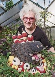 Dominique Kähler Schweizer strickt seit vier Jahren Lebensmittel in 3D. (Bild: Daniel Ammann)