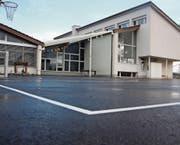 Auch auf dem Vorplatz der Primarschule Zuckenriet gab es Vandalismus. Künftig soll es hier Überwachungskameras haben. (Bild: Simon Dudle)