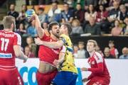 Der Schweizer Lukas Deschwanden gegen den Bosnier Marko Panic. (Bild: Michel Canonica)