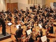 Das Orchester unter der Leitung von Gabriel Estarellas Pascual. (Bild: Markus Bösch)