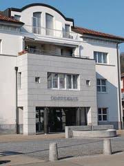 Aus drei mach eins? Die Gemeindeverwaltungen von Lütisburg, Bütschwil-Ganterschwil und Oberhelfenschwil könnten ab 2021 zu einer verschmolzen werden, wenn die Stimmbürger der Fusion zustimmen. (Bilder: Martin Knoepfel)