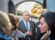 Bundesrat Alain Berset bei seinem Besuch am Dienstag in der Kartause Ittingen. (Bild: Reto Martin)