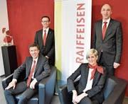 Die Vorsitzenden der vier Bankleitungen berichteten über ein weiteres erfolgreiches Jahr für die Raiffeisenbanken in der Region, von links: Bruno Schmid (Walenstadt), Sandro Uhlmann (Werdenberg), Monika Göldi (Sennwald) und Christof Ackermann (Sarganserland). (Bild: Thomas Schwizer)