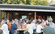 90 Personen kamen an den Vortrag im Seeclubhaus Egnach. (Bild: pd)