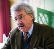 Rainer J. Schweizer kritisiert, dass mit dem neuen Gesetz etwas «komplett ausserhalb der demokratischen Öffentlichkeit» aufgebaut werde. (Bild: Urs Jaudas)