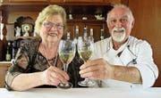 Wirten seit 45 Jahren mit Herzblut im «Ochsen»: Luise und Erich Högger. (Bild: PE)