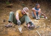 Knochenarbeit ohne Knochen: Archäologe Thomasz Lelewski an der Arbeit.