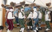 Die Rothenthurmer Tiroler aus dem Kanton Schwyz bewegten sich elegant mit Geschell und Besen.