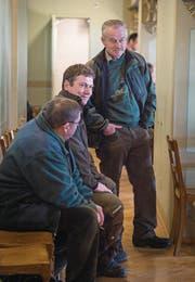 Jäger kommen in grosser Schar um das Traktandum zum Jagdgesetz zu verfolgen. (Bild: Andrea Stalder)