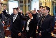 27. November: Der SP-Politiker Josef Gähwiler (rechts) aus Buchs wird als neuer Kantonsrat vereidigt. (Bild: Regina Kühne)