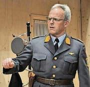 Kurt Koch spielt Polizist. (Bild: pd)