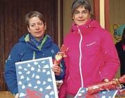 Geehrt und beschenkt: Claudia Brauchli (links) und Monika Stauffacher. (Bild: pd)
