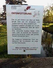 Das Hinweisschild auf der Lindenparkbrücke. (Bild: PD)