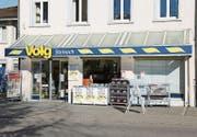 Der Volg-Laden in Steinach an der Hauptstrasse 45 wurde am Samstag überfallen und ausgeraubt. (Bild: Jolanda Riedener)