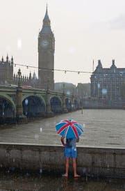 Trübe Aussichten: Blick über die Themse auf den Westminster-Palast, wo das britische Parlament tagt. (Bild: getty/Richard Baker)