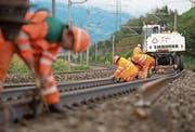 11,5 Milliarden Franken sollen in die Bahninfrastruktur investiert werden. Das Bild zeigt Unterhaltsarbeiten der SBB. (Bild: Maria Schmid (Rotkreuz, 19. September 2017))
